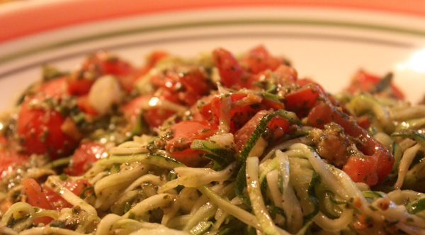 Zoodles with tomato and pesto